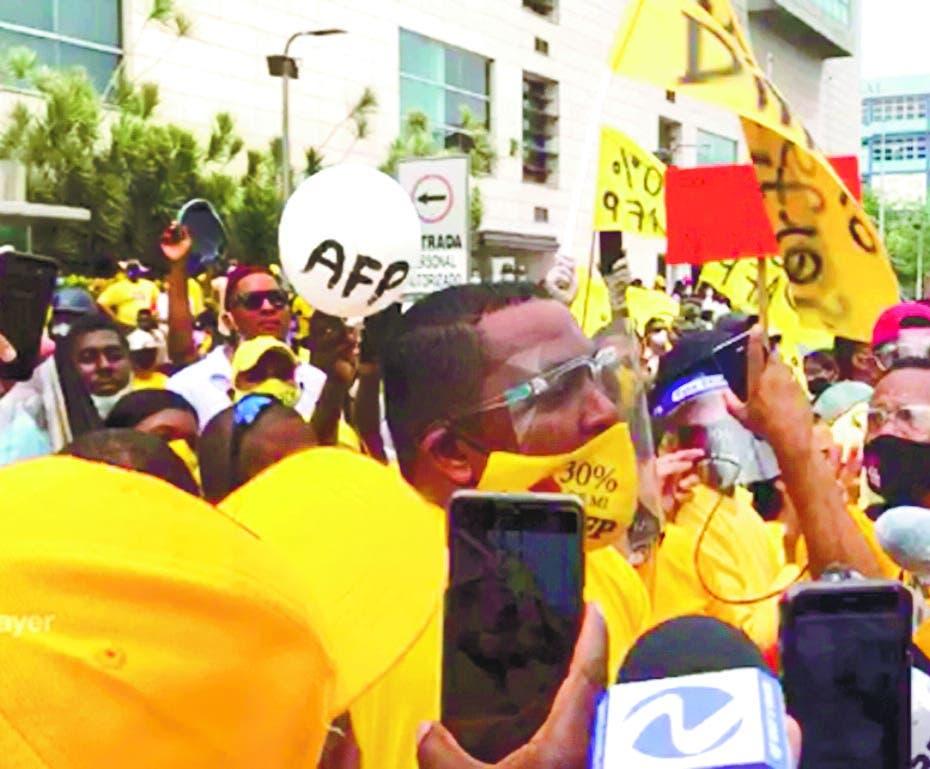 Pedro Botello vuelve a convocar marcha por el 30% de las AFP