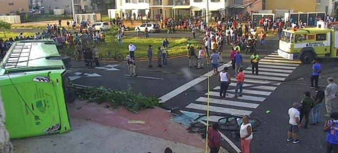 Muere chofer de  OMSA durante accidente en Ciudad Juan Bosch