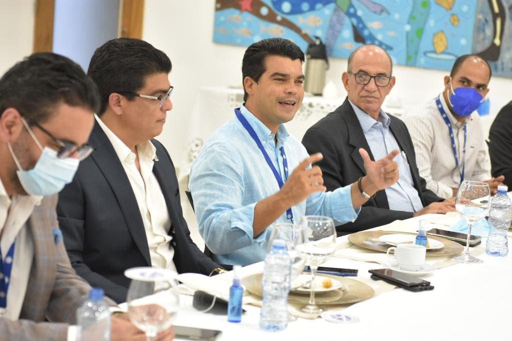 Director INAPA llama aunar esfuerzos para garantizar agua potable