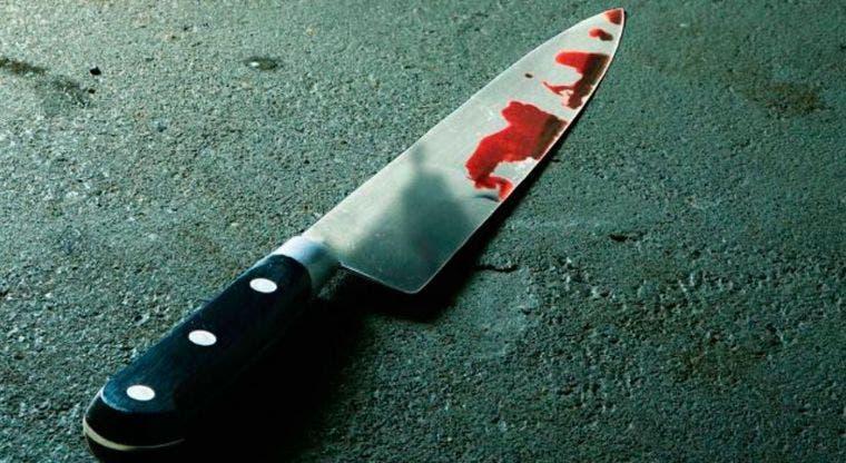 En estado crítico joven al que le dejaron cuchillo incrustado en la cabeza