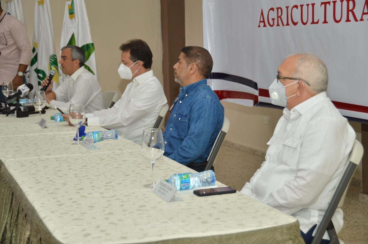 Bagrícola atribuye déficit de comestibles a descuido del gobierno pasado