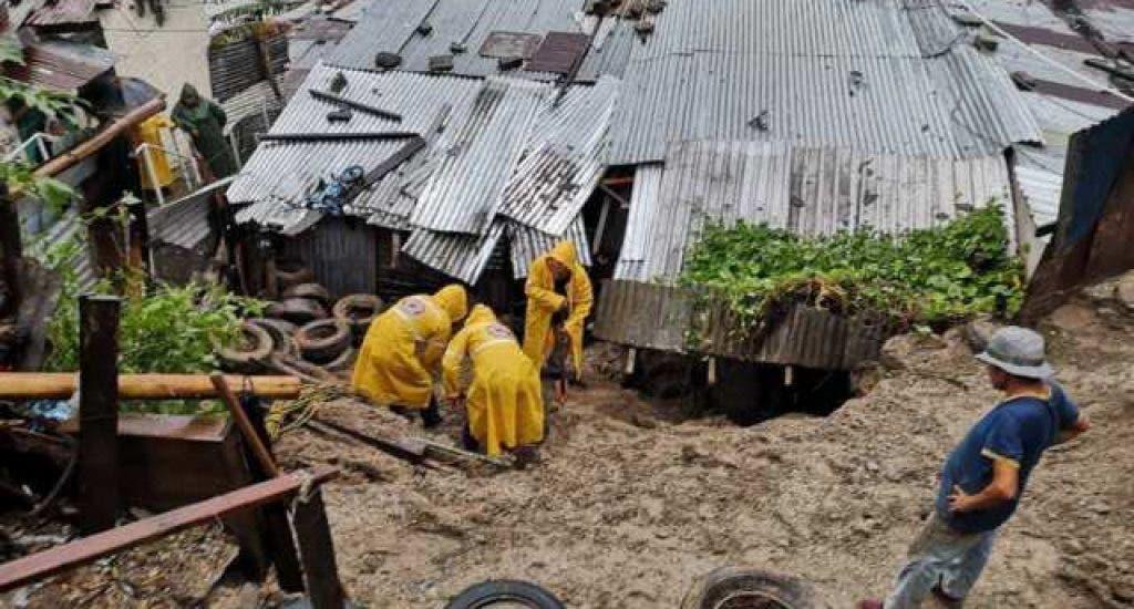 Al menos 6 muertos por deslizamiento de tierra en el norte de El Salvador