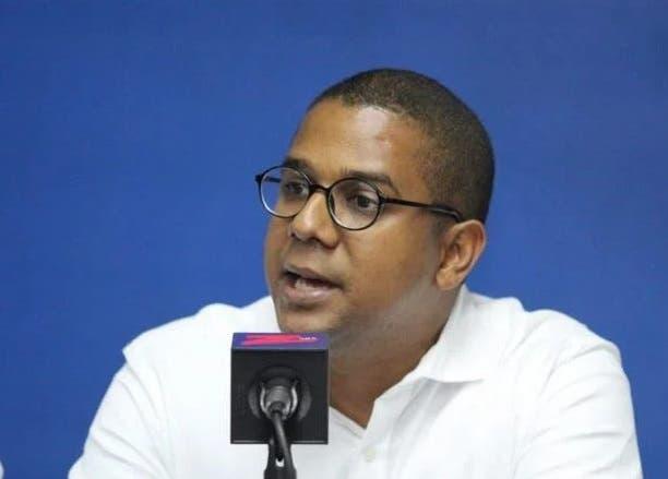Asistente de Luis Abinader llama «doble moral» a Faride Raful y a Orlando Jorge Villegas