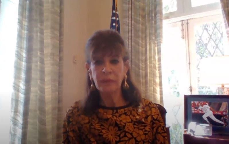 Embajadora Bernstein: empoderamiento de mujeres estimula el crecimiento económico