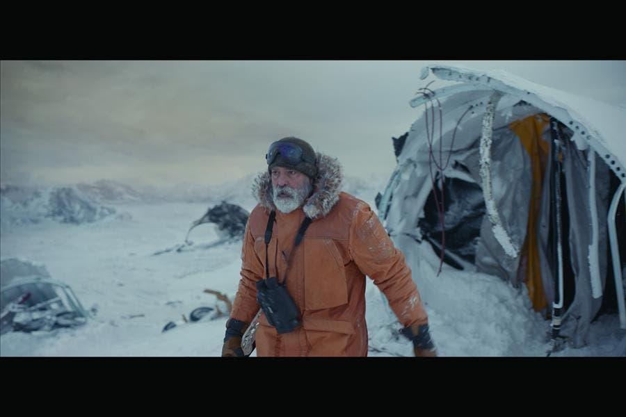 """George Clooney busca la esperanza en el espacio con """"The Midnight Sky»"""