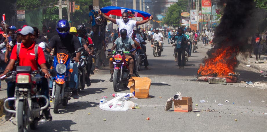 Al menos un muerto en manifestaciones de la oposición contra presidente Haití