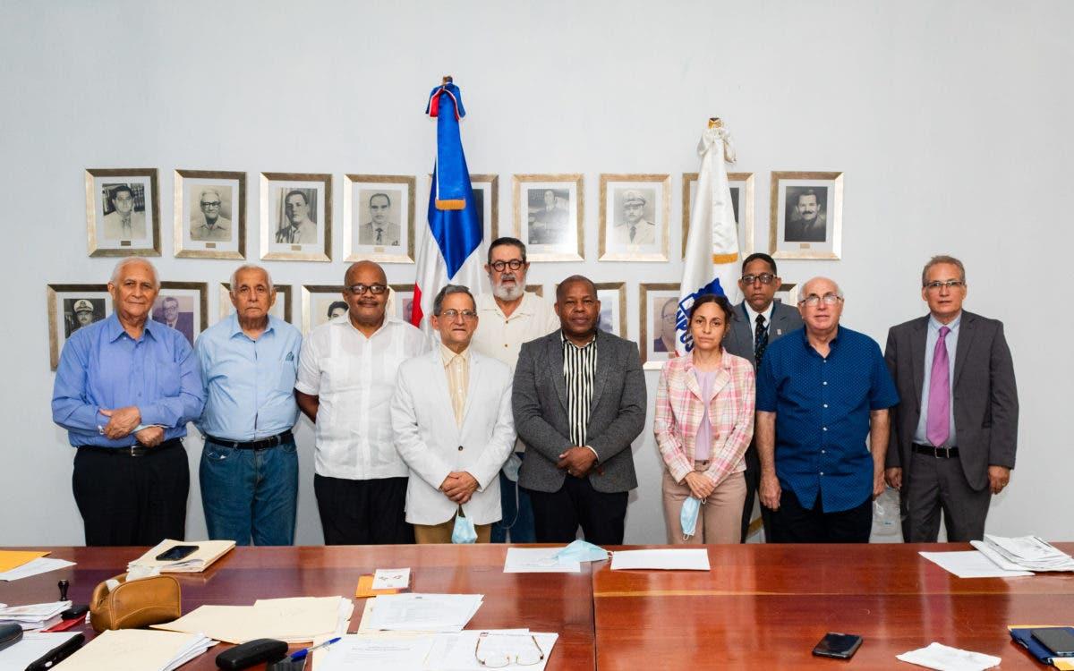 Director INPOSDOM realiza primer encuentro de trabajo con Sociedad Filatélica Dominicana