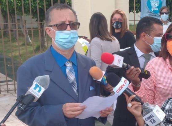 Profesionales por la Moralidad dan apoyo a Eddy Olivares