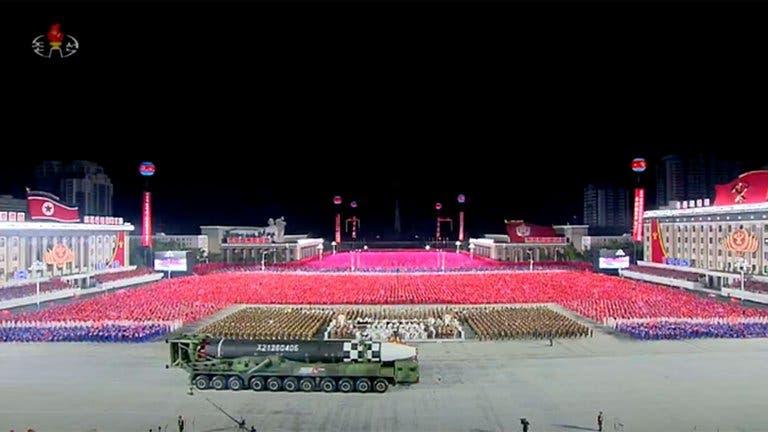Corea del Norte mostró nuevos y gigantescos misiles balísticos intercontinentales