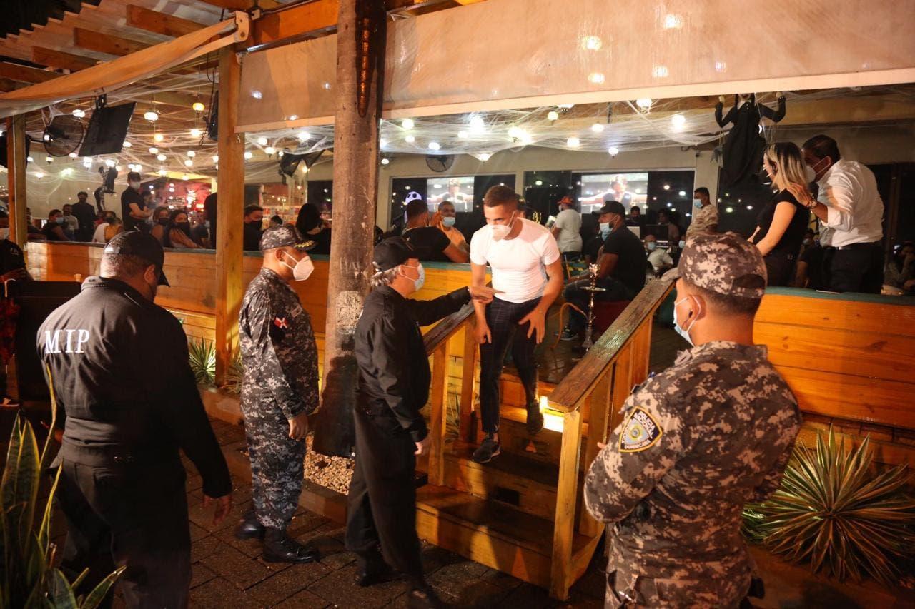 Frustran fiestas clandestinas violentaban el toque de queda