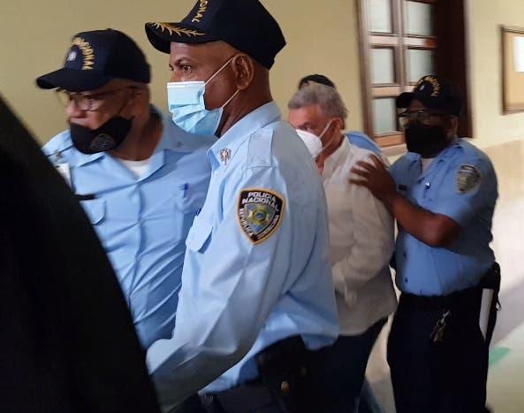 Juez dicta coerción a acusado de hacerse pasar por embajador para estafar
