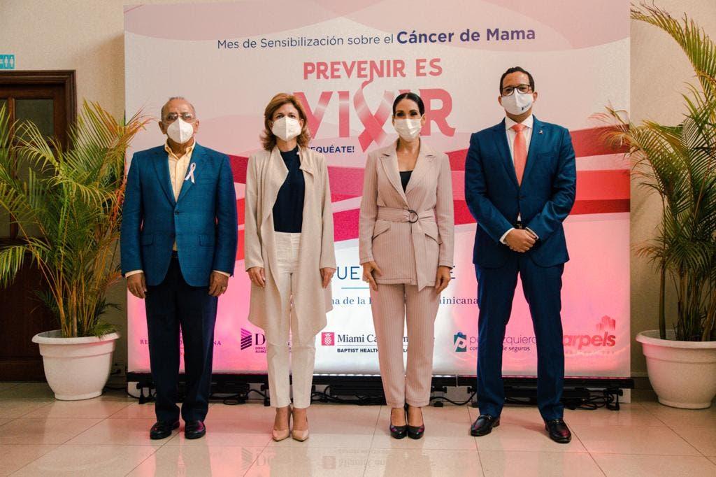 Primera Dama comprometida con políticas públicas en favor prevención del cáncer de mama