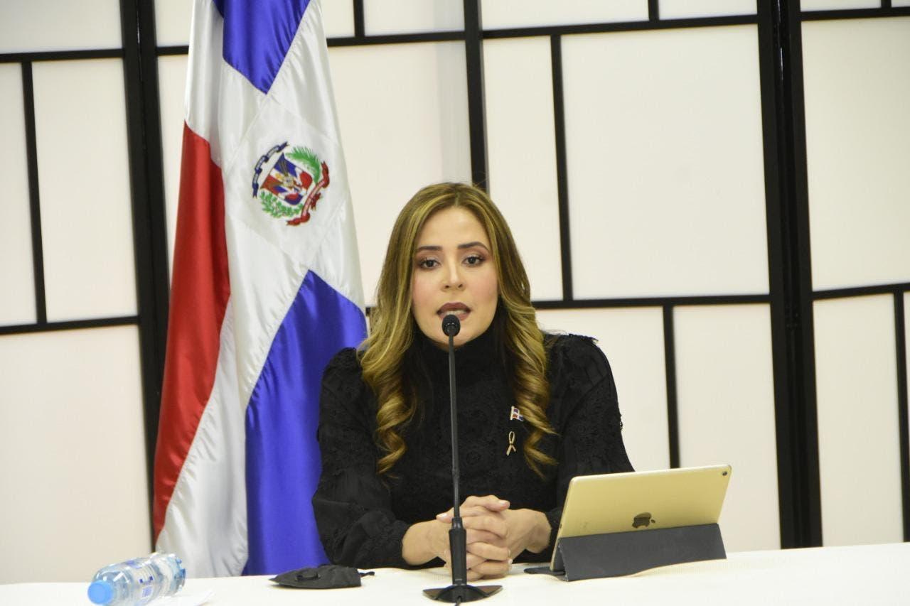Abogada Lenis García destaca en su discurso como aspirante al pleno de la JCE