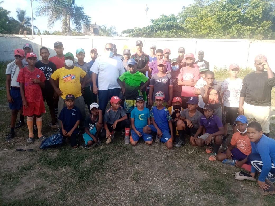 Deportistas de La Caleta claman por construcción obras deportivas