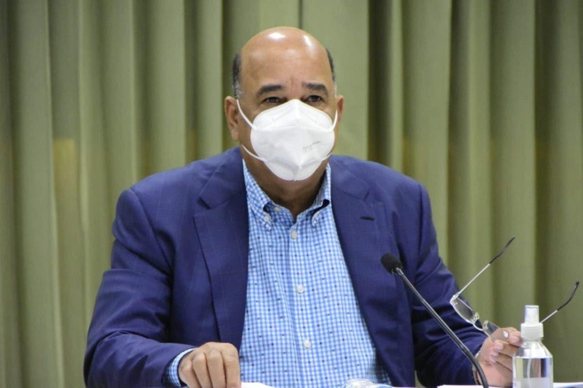 Ex ministro de Salud alerta sobre rebrote de COVID-19 en el país