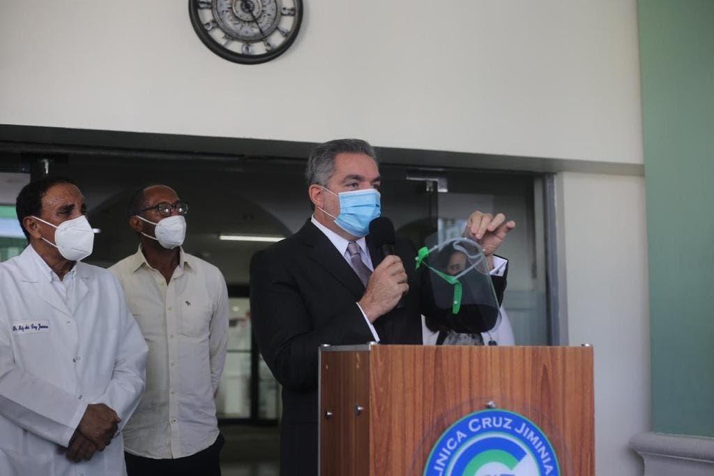 COVID-19: PROPEEP entrega material de protección médico de la Clínica Cruz Jiminián