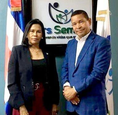 Sonia Feliz Medrano asume como nueva directora de ARS SEMMA
