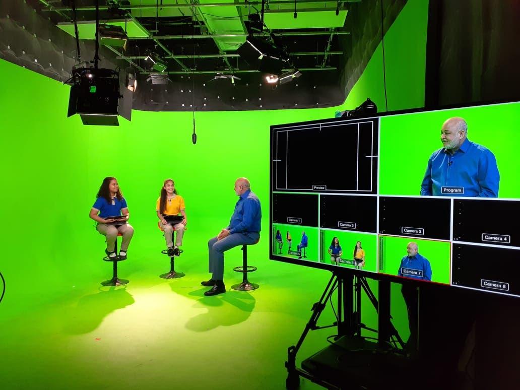 Año escolar será por TV y radio, clases virtuales cuando haya conectividad y equipos