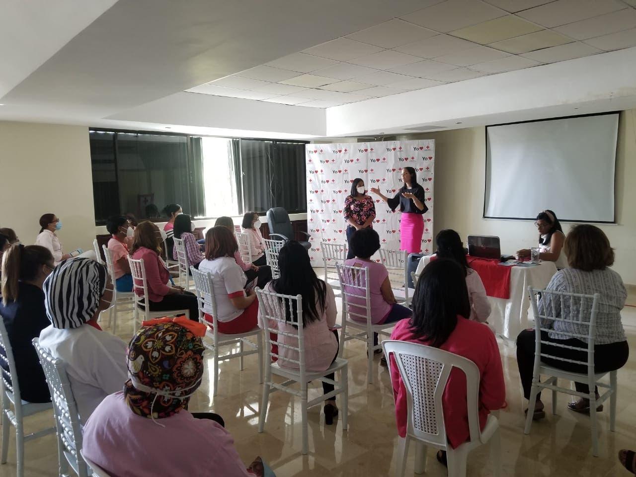 Cruz Roja Dominicana imparte charla de detección temprana del Cáncer de Mama