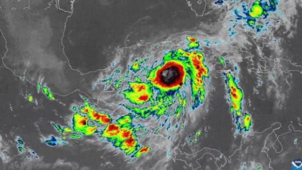 Zeta se fortalece a huracán rumbo a la costa sur de EE.UU.