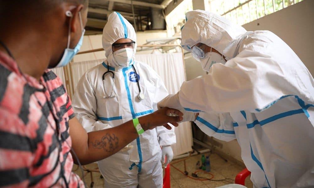 Pandemia causa la muerte de periodistas y cierre de medios en RD