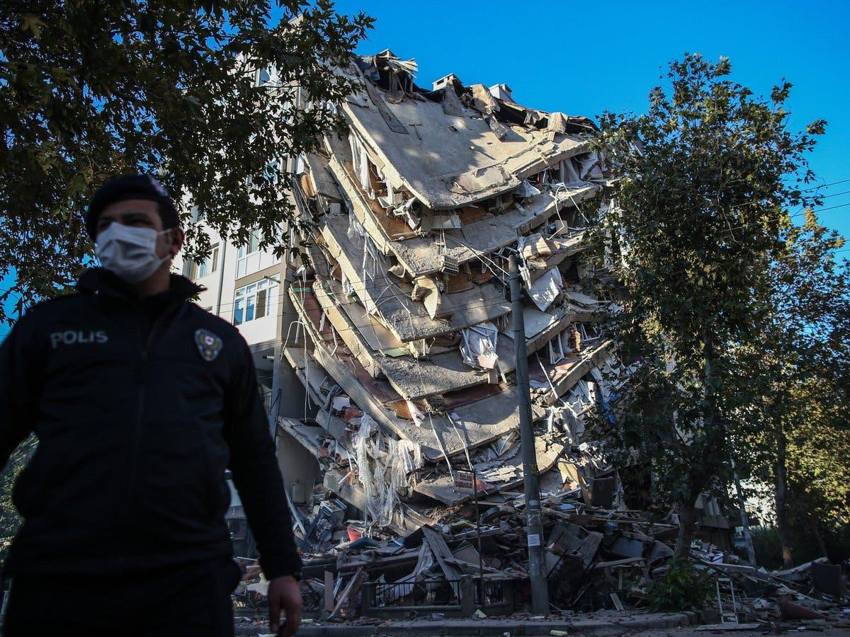 Suben a 51 las víctimas mortales en Turquía causadas por el terremoto