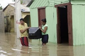 Lluvias han provocado el desplazamiento de más de 6 mil personas