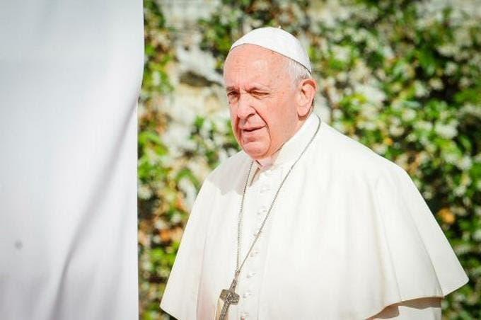 El papa ordena que el Vaticano apruebe los nuevos institutos religiosos