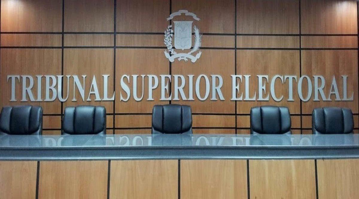 Juez hace un llamado a Luis Abinader para evitar colapso del TSE