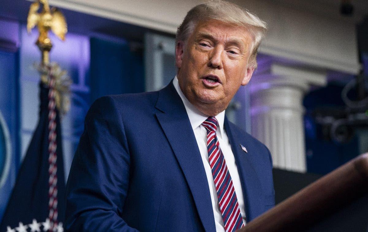 Trump denuncia conspiración para retrasar vacuna del covid