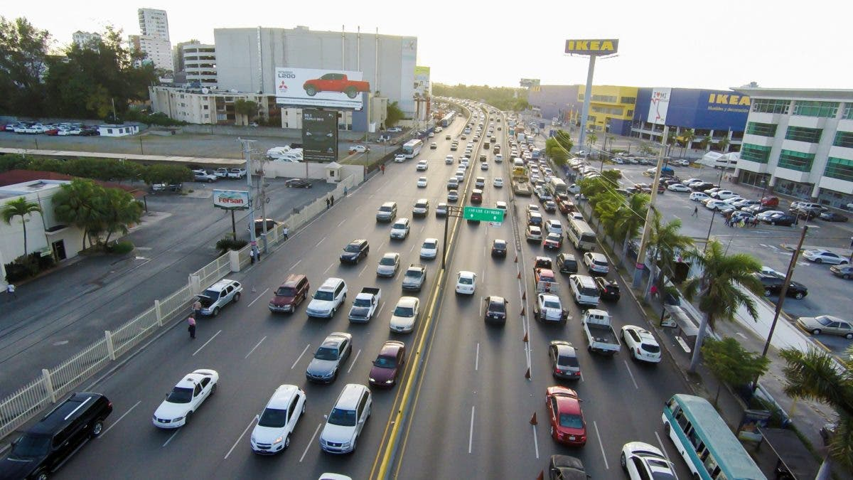 Preparan carril contraflujo desde Autopista Duarte hasta avenida John F. Kennedy