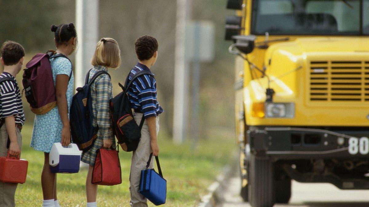 A partir de hoy, cierran 1,800 escuelas en Nueva York por rebrote COVID-19