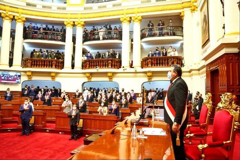 Crisis de Perú: Renuncian 13 de los 18 ministros del gabinete de Manuel Merino