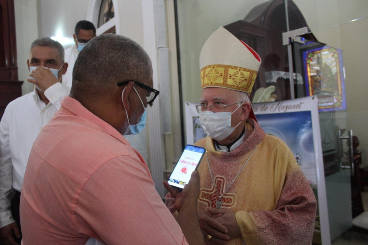 Obispo dice oposición debe darle al gobierno oportunidad de desarrollarse