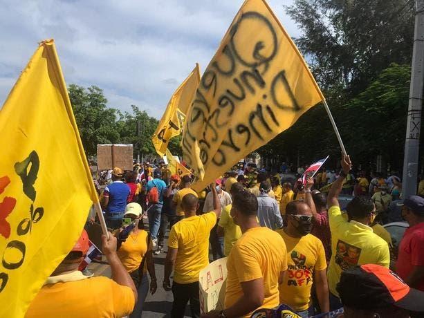 Restringen acceso a calles cercanas al Congreso ante manifestación de 30 % AFP