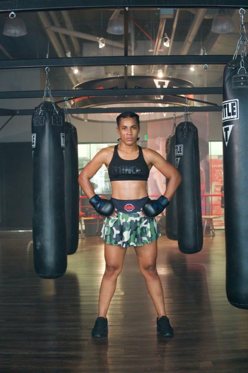 Dulce Encarnación Y Andrea Soraluz se enfrentan en Primer combate MMA de RD