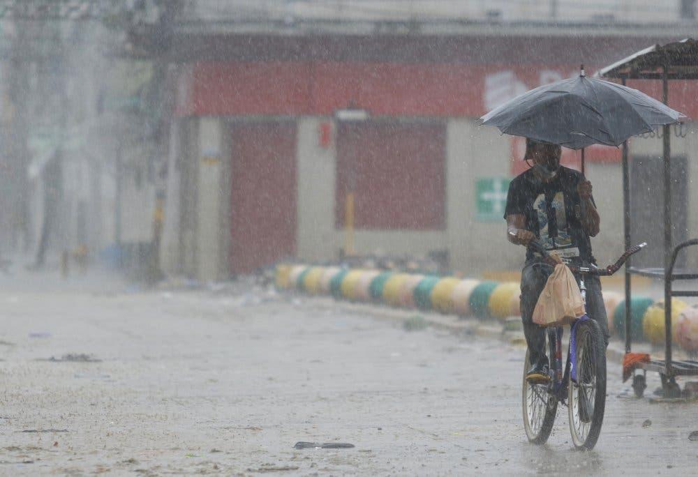 Iota azota Nicaragua e inunda partes de Honduras