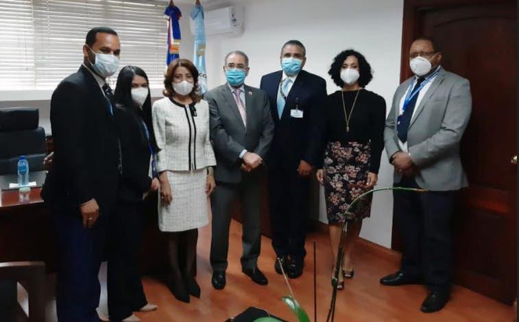 Pleno JCE y Pasaportes tratan sobre eliminación de legalización de actas