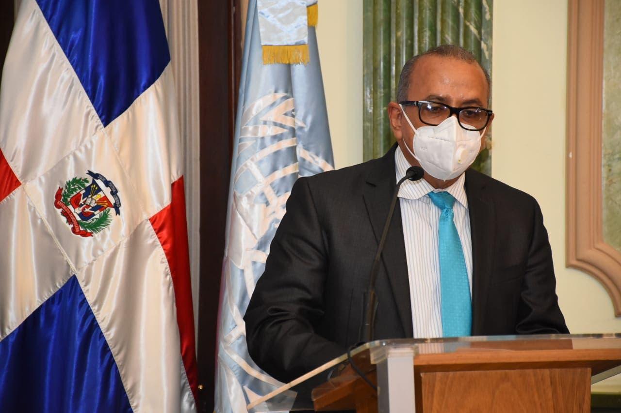 Ministro Salud dice no cuenten con clases presenciales hasta que no haya vacunas