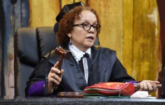 Procuradora Miriam Germán Brito está hospitalizada