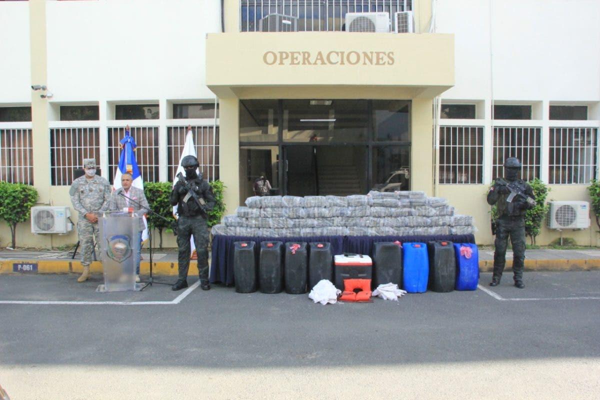 Apresan seis hombres y ocupan 231 paquetes presumiblemente cocaína