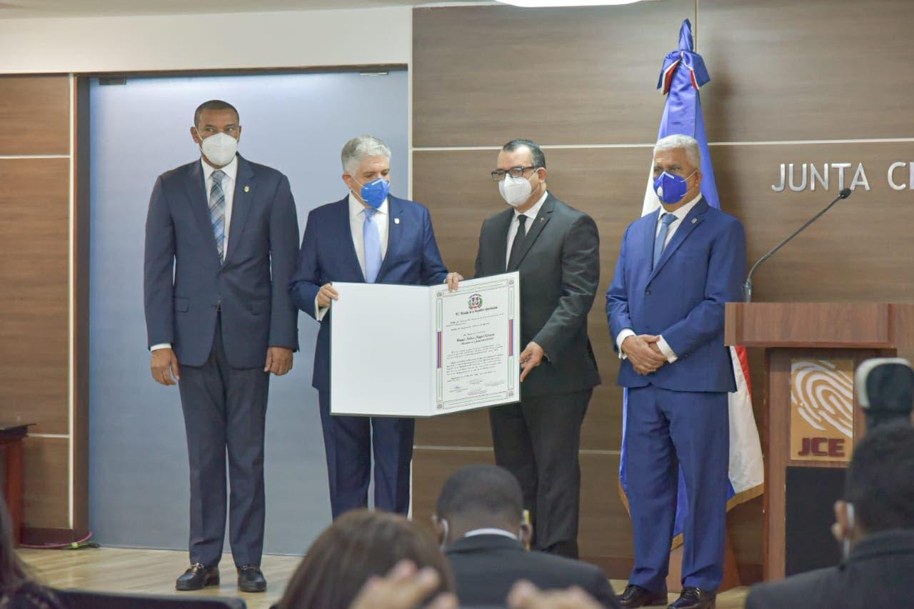 Román Jáquez pide voto de confianza para dirigir JCE