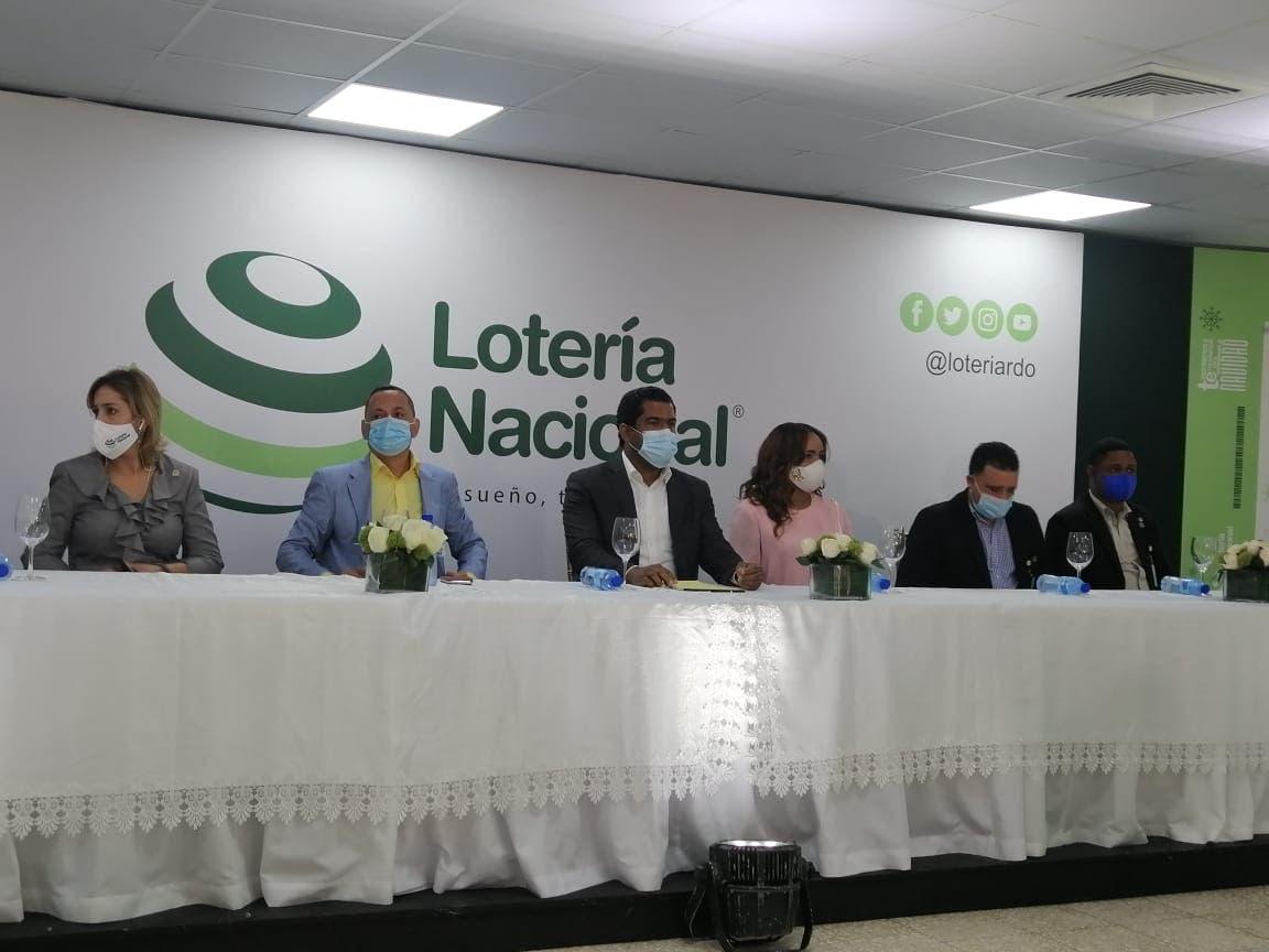 """Lotería Nacional lanza """"Extraordinario de Navidad"""" con 25 millones en premios"""