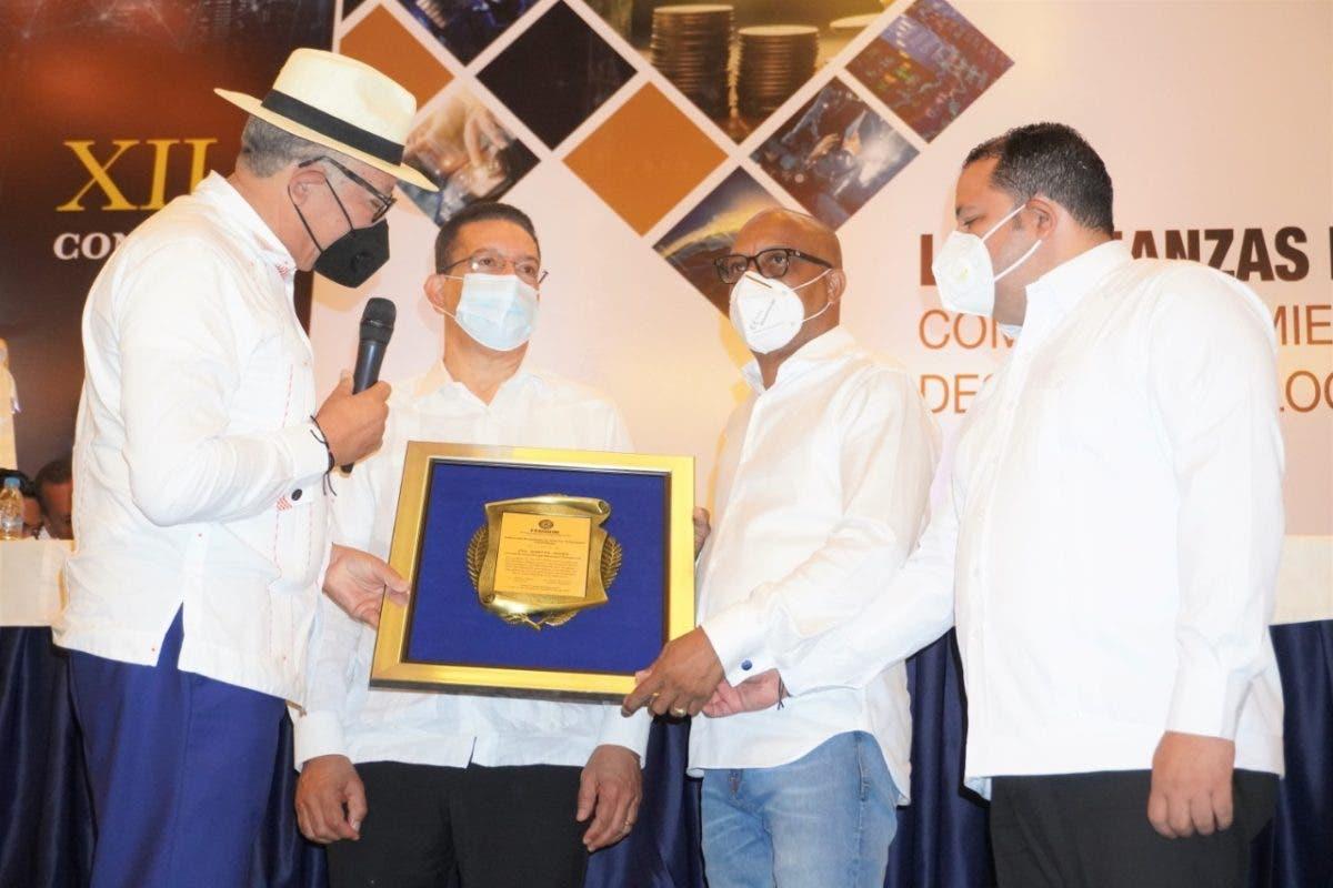 Forman a más de 200 alcaldes en XII Congreso de FEDODIM