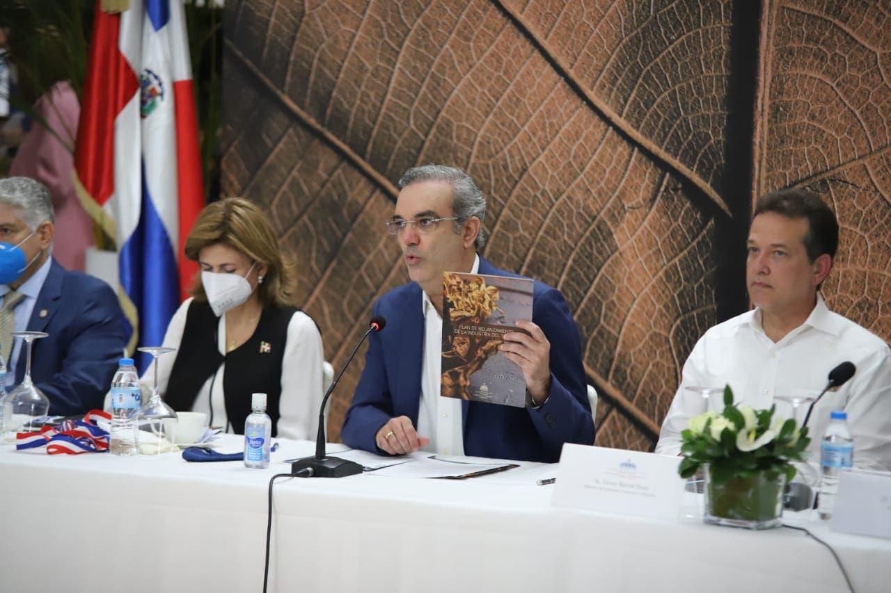Gobierno relanza industria del tabaco para entrar a nuevos mercados