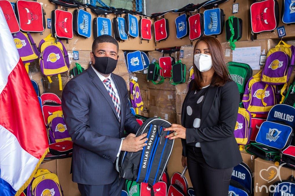 INAIPI recibe donación de útiles escolares confiscados por la DGA