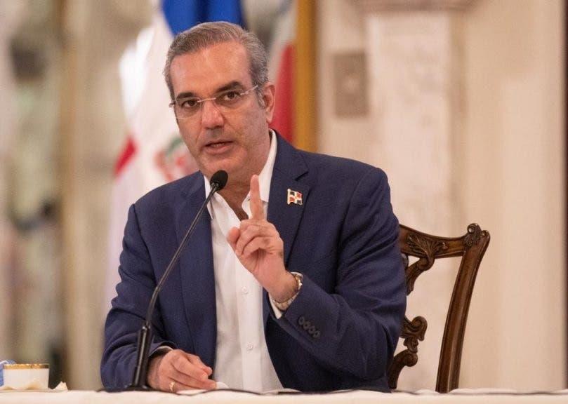 Luis Abinader asciende oficial involucrado en caso senador Montecristi