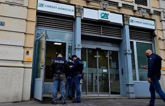 Atracan un banco en Milán y escapan con botín por túnel por donde entraron