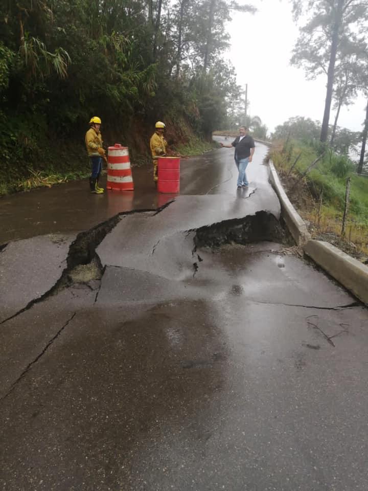 Aguaceros causan daños a carretera Manabao, Jarabacoa
