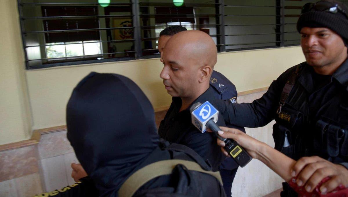 El payaso Kanqui seguirá en prisión por falta de dinero